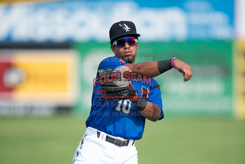 Missoula Osprey infielder Eddie Hernandez (10) warms up before a Pioneer League game against the Orem Owlz at Ogren Park Allegiance Field on August 19, 2018 in Missoula, Montana. The Missoula Osprey defeated the Orem Owlz by a score of 8-0. (Zachary Lucy/Four Seam Images)