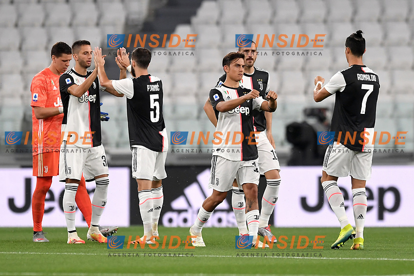 Juventus players Wojciech Szscesny, Rodrigo Bentancur, Miralem Pjanic, Leonardo Bonucci, Paulo Dybala and Cristiano Ronaldo prior the Serie A football match between Juventus FC and US Lecce at Juventus stadium in Turin  ( Italy ), June 26th, 2020. Play resumes behind closed doors following the outbreak of the coronavirus disease. Photo Andrea Staccioli / Insidefoto