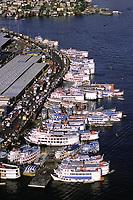 Avenida Manaus Moderna e área portuária de Manaus<br /> Amazonas - Brasil<br />2002<br />©Foto: Marcello Lourenço/Interfoto