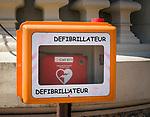 Fuerstentum Monaco, an der Côte d'Azur, Stadtteil Monte Carlo: an vielen Plaetzen sind Defibrillatoren aufgestellt | Principality of Monaco, on the French Riviera (Côte d'Azur), district Monte Carlo: defibrillator