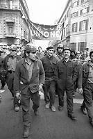 - Milano, sciopero generale dell'industria (Dicembre 1974)<br /> <br /> - Milan, general strike of industry (December 1974)