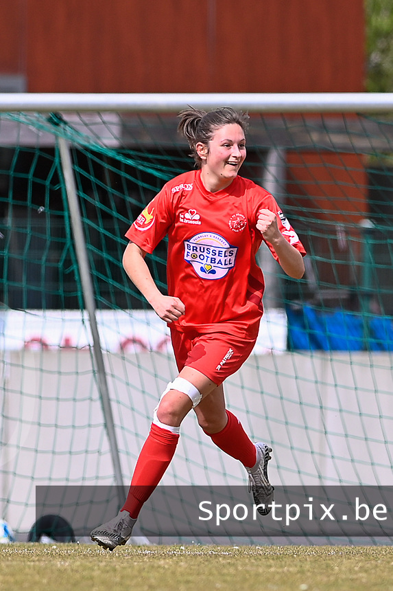 Kenza Vrithof (9) of Woluwe  pictured celebrating the opening goal during a female soccer game between FC Femina White Star Woluwe and SV Zulte Waregem on the fifth matchday of play off 2 in the 2020 - 2021 season of Belgian Scooore Womens Super League , Saturday 8 th of May 2021  in Woluwe , Belgium . PHOTO SPORTPIX.BE | SPP | DAVID CATRY