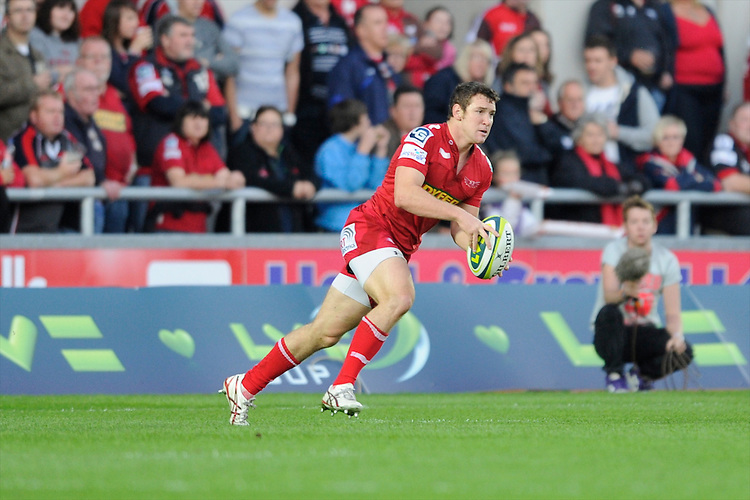 Adam Warren of Scarlets during the LV= Cup first round match between Scarlets and Leicester Tigers at Parc y Scarlets (Photo by Rob Munro, Fotosports International)