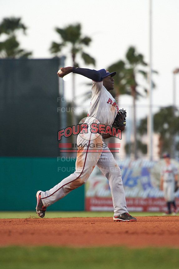 Fort Myers Miracle shortstop Nick Gordon (2) during a game against the Daytona Tortugas on April 17, 2016 at Jackie Robinson Ballpark in Daytona, Florida.  Fort Myers defeated Daytona 9-0.  (Mike Janes/Four Seam Images)
