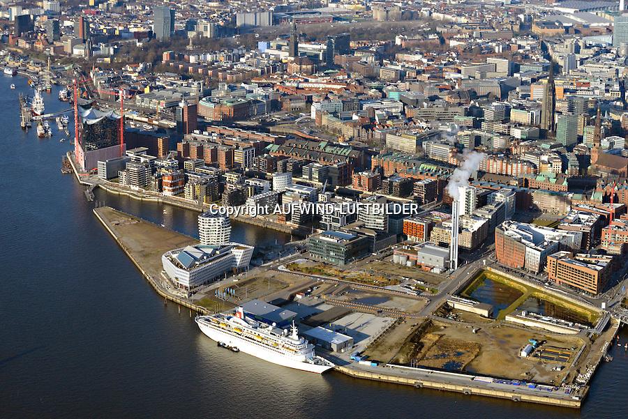 Hafencity und Speicherstadt: EUROPA, DEUTSCHLAND, HAMBURG, (EUROPE, GERMANY), 31.12.2013: Blick von der Elbe auf die Hafencity, Speicherstadt und Innenstadt Hamburgs