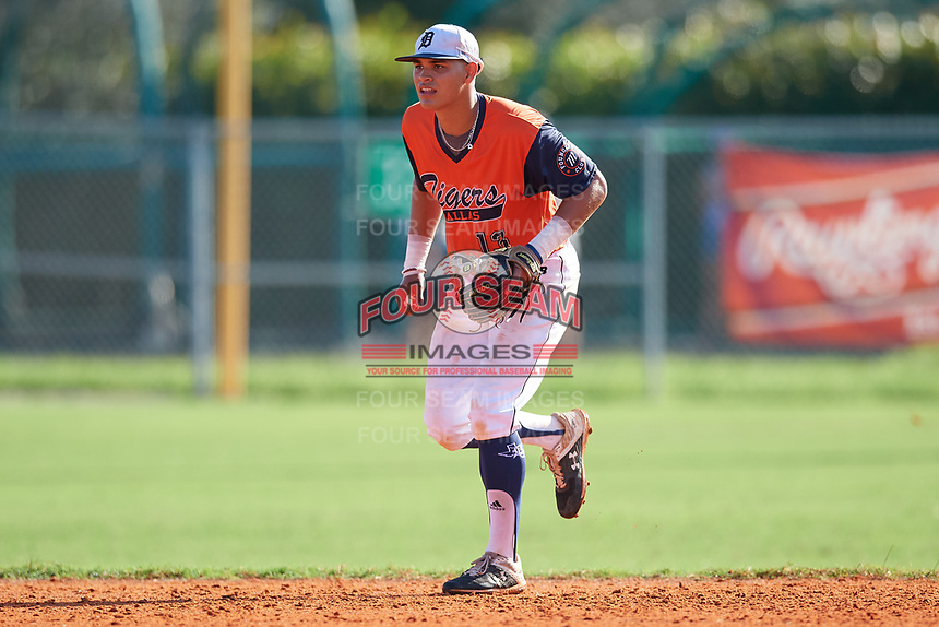 Jayson Jones (13) during the WWBA World Championship at Lee County Player Development Complex on October 9, 2020 in Fort Myers, Florida.  Jayson Jones, a resident of Savannah, Texas who attends Braswell High School, is committed to Arkansas.  (Mike Janes/Four Seam Images)