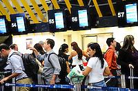 SAO PAULO, SP, 22 AGOSTO 2012 - CHECK IN-AEROPORTO CONGONHAS- Movimento no Aeroporto de Congonhas nesta tarde de quarta feira dia 22 de agosto em Campo Belo, zona sul de Sao Paulo.(FOTO:MARCELO FONSECA / BRAZIL PHOTO PRESS).
