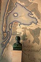 Europe/France/Aquitaine/33/Gironde/Bassin d'Arcachon/Le Cap Ferret: Intérieur du phare ceramique représentant le Bassin d'Arcachon