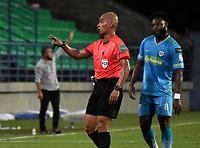 MONTERIA - COLOMBIA, 24-01-2021: Diego Escalante, arbitro durante partido entre Jaguares de Cordoba F. C. y Atletico Bucaramanga de la fecha 2 por la Liga BetPlay DIMAYOR I 2021, en el estadio Jaraguay de Monteria de la ciudad de Monteria. / Diego Escalante, referee during a match between Jaguares de Cordoba F.C., and Atletico Bucaramanga, of the 2nd date for the BetPlay DIMAYOR I 2021 League at Jaraguay de Monteria Stadium in Monteria city. Photo: VizzorImage / Andres Lopez / Cont.