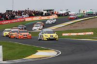 Round 9 of the 2007 British Touring Car Championship. Race start.