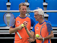 Moscow, Russia, 13 th July, 2016, Tennis,  Davis Cup Russia-Netherlands, Training Dutch team, Coach Martin Bohm (R) with Captain Jan Siemerink<br /> Photo: Henk Koster/tennisimages.com