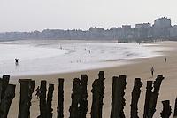 Europe/France/Bretagne/Ille et Vilaine/St Malo: la plage du Sillon
