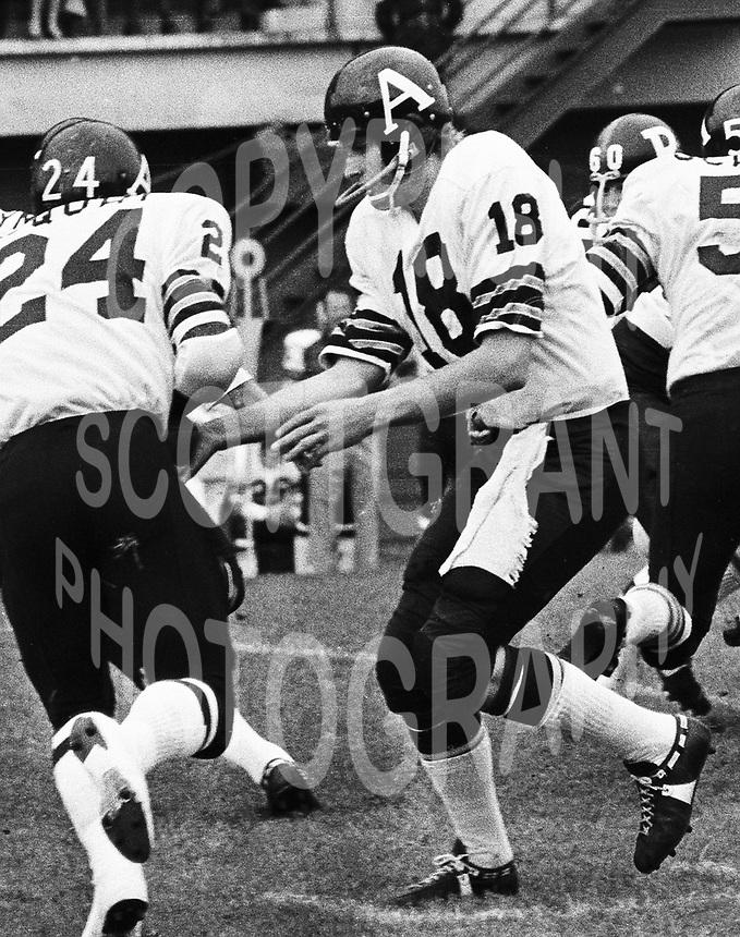 Greg Barton Toronto Argonauts quarterback 1971. Copyright photograph Scott Grant