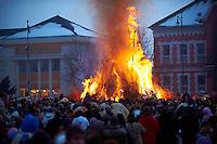 Busójárás, Burning the wicker man  at the end of the Saturday Parade ,  Mohács; Hungary; town square