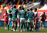 24th April 2021; Brentford Community Stadium, London, England; Gallagher Premiership Rugby, London Irish versus Harlequins; Rob Simmons of London Irish argues with Scott Baldwin of Harlequins