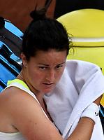 BOGOTÁ-COLOMBIA, 12-04-2019: Lara Arruabarena de España, se seca el sudor durante partido por el Claro Colsanitas WTA, que se realiza en el Carmel Club en la ciudad de Bogotá. / Tamara Zidansek from Slovenia, dries the sweat, during a match for the WTA Claro Colsanitas, which takes place at Carmel Club in Bogota city. / Photo: VizzorImage / Luis Ramírez / Staff.