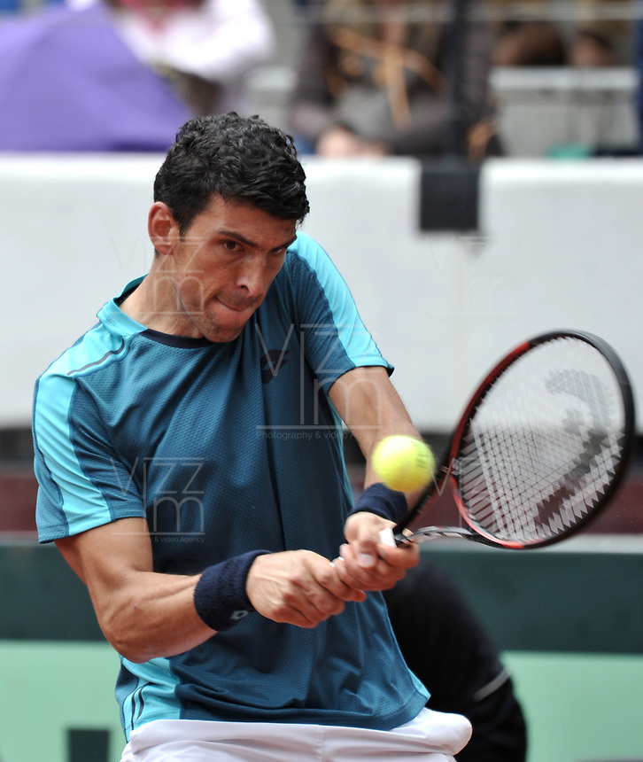 BOGOTA - COLOMBIA – 15 – 09 -2019: Franko Skugor de Croacia, devuelve la bola aSantiago Giraldo  de Colombia, durante Partido de la Copa Davis entre los equipos de Colombia y Croacia, partidos por el ascenso al Grupo Mundial de Copa Davis por BNP Paribas, en la Plaza de Toros La Santamaria en la ciudad de Bogota. / Franko Skugor of Croatia, returns the ball to Santiago Giraldo  of Colombia during a Davis Cup draw between the teams of Colombia and Croatia, match promoted to the World Group Davis Cup by BNP Paribas, at the La Santamaria Ring Bull in Bogota city. / Photo: VizzorImage / Luis Ramirez / Staff.