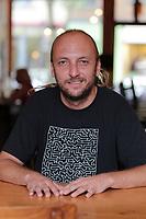 Bernard Adamus<br />  en visite a Montreal, Canada,Sept 2015<br /> <br /> PHOTO :  Agence Quebec Presse - YANN TOUTAIN