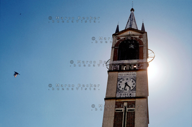 Milano,campanile della chiesa alla località di Figino, periferia nord - ovest. --- Milan, bell tower of the church in the locality of Figino, north - west periphery.