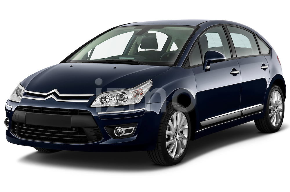 Front three quarter view of a 2009 Citroen C4 Executive 5 Door Hatchback.
