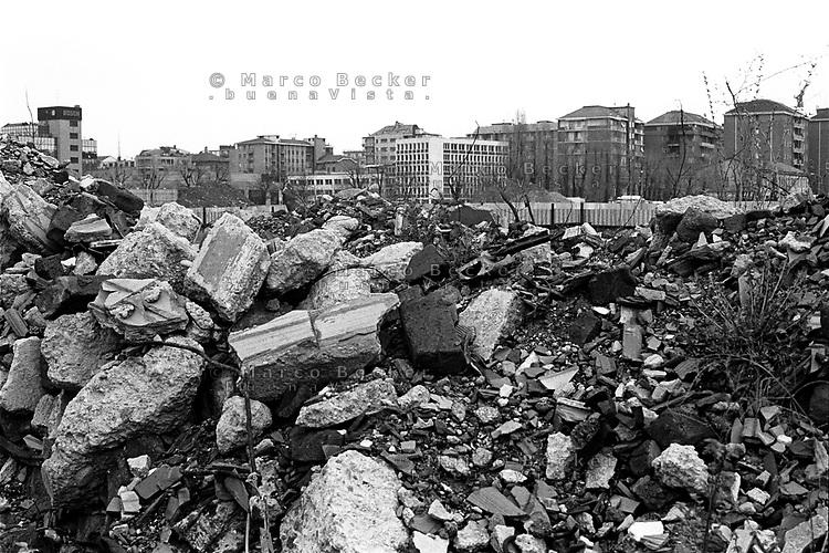 milano, macerie del cantiere della fieramilanocity --- rubble on the yard at the fieramilanocity