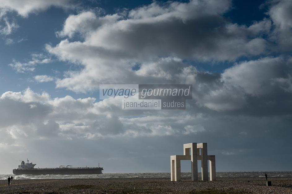 Europe/France/Haute-Normandie/76/ Le Havre : La Plage Du Havre  -  L'oeuvre UP3 sur la plage du Havre pourrait être pérennisée, une réflexion est en cours. Sculpture Lang et Baumann un été au Havre500 ans / OP  Lang and Baumann //  Europe / France / Upper-Normandy /76/  Le Havre: The Beach -  The UP3 work on Le Havre beach could be made permanent, a reflection is underway. Lang and Baumann sculpture a summer in Le Havre500 years / OP  Lang and Baumann /