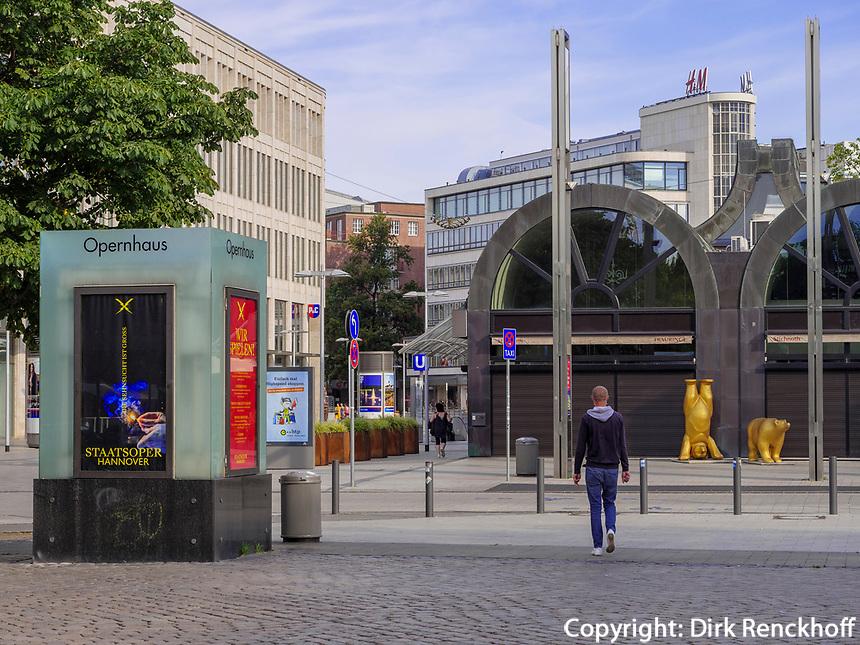 beim Opernhaus in Hannover, Niedersachsen, Deutschland, Europa<br /> Near Opera House in Hanover, Lower Saxony, Germany, Europe