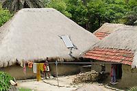 "Asien Suedasien Indien Westbengalen , Sagar Insel im Gangesdelta , Huette mit Solar Home System - renewables Energie laendliche Entwicklung xagndaz | .South asia India West-Bengal , Sagar Island at Sundarbans the delta of Ganges river , hut with solar home system - renewable energy rural development .| [ copyright (c) Joerg Boethling / agenda , Veroeffentlichung nur gegen Honorar und Belegexemplar an / publication only with royalties and copy to:  agenda PG   Rothestr. 66   Germany D-22765 Hamburg   ph. ++49 40 391 907 14   e-mail: boethling@agenda-fototext.de   www.agenda-fototext.de   Bank: Hamburger Sparkasse  BLZ 200 505 50  Kto. 1281 120 178   IBAN: DE96 2005 0550 1281 1201 78   BIC: ""HASPDEHH"" ,  WEITERE MOTIVE ZU DIESEM THEMA SIND VORHANDEN!! MORE PICTURES ON THIS SUBJECT AVAILABLE!!  ] [#0,26,121#]"
