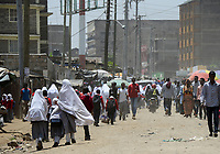 KENYA, Nairobi, refugees from Somalia in suburban Eastleigh also called Little Mogadishu due to major Somali population / KENIA, Nairobi, Stadtteil East-Leigh der durch seinen hohen Anteil an somalischen Fluechtlingen auch Klein Mogadishu genannt wird