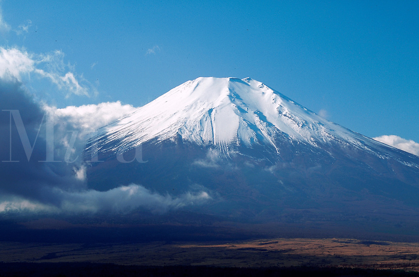 Mt. Fuji (Fuji-san)covered with snow in late autumn. Fuji-Hakone-Izu National Park, Japan.