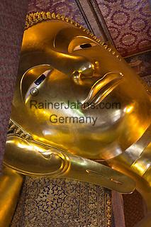 Thailand, Central Thailand, Bangkok: Head of the Reclining Buddha inside Wat Pho | Thailand, Zentralthailand, Bangkok: der liegende Buddha im Tempel Wat Pho