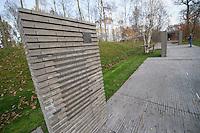 """Auf dem Gelaende des Einsatzfuehrungskommando der Bundeswehr, der Henning-von-Tresckow-Kaserne bei Potsdam, wurde ein Ehrenhain zum Gedenken an die im Einsatz verstorbenen Bundeswehrangehoerigen eingerichtet. In diesem """"Wald der Erinnerunge"""" sind die Gedenkhaine aus den Einsatzgebieten der Bundeswehr errichtet worden. Zum Teil originalgetreu nachgebildet von den Orten in denen die Bundeswehr eingesetzt war und Angehoerige verstorben sind<br /> Im Bild: Der """"Weg der Erinnerung"""" mit Stelen auf denen die Namen verstorbener Bundeswehrangehoeriger stehen.<br /> 14.11.2014, Potsdam<br /> Copyright: Christian-Ditsch.de<br /> [Inhaltsveraendernde Manipulation des Fotos nur nach ausdruecklicher Genehmigung des Fotografen. Vereinbarungen ueber Abtretung von Persoenlichkeitsrechten/Model Release der abgebildeten Person/Personen liegen nicht vor. NO MODEL RELEASE! Don't publish without copyright Christian-Ditsch.de, Veroeffentlichung nur mit Fotografennennung, sowie gegen Honorar, MwSt. und Beleg. Konto: I N G - D i B a, IBAN DE58500105175400192269, BIC INGDDEFFXXX, Kontakt: post@christian-ditsch.de<br /> Urhebervermerk wird gemaess Paragraph 13 UHG verlangt.]"""