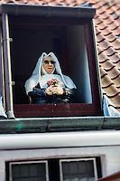 """Europe/Belgique/Flandre/Flandre Occidentale/Bruges: détail fenêtre du  du restaurant Maximiliaan van Oostenrijk"""" prés du  pont aux arches du Béguinage de Bruges - Begijnhof"""