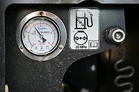 Germany, New Holland Tractor powered by BioMethan gas CNG / DEUTSCHLAND, Damnatz im Wendland, Hof und Biogasanlage von Horst Seide, neuer New Holland Traktor T6.180 mit Methanpower mit Gasmotor und Biomethan bzw. CNG Gas Antrieb im Test, Betankung, Einfüllstutzen rechts