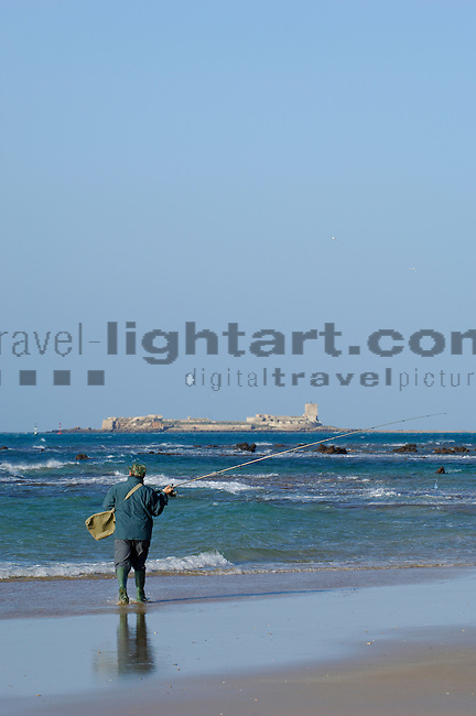 www.travel-lightart.com, ©Paul J. Trummer, Andalucia, Andalusia, Barrosa Beach, Cadiz, Chiclana de la Frontera, continent, continents, Costa de la Luz, countries, Country, Europe, Geography, Novo Sancti Petri, Spain, Andalusien, Barrosa Strand, Erdteil, Erdteile, Europa, Geografie, Kontinent, Kontinente, Küste des Lichts, Land, Länder, Spanien, Staat, Staaten, Küste, Küsten, Küstenlandschaft, Landschaftsform, Landschaftsformen, Meeresstrand, Sandstrand, Sandstrände, Straende, beaches, coast, coastal landcsapes, coastline, coastlines, coasts, landscape form, landscape forms, landscapes, sandy beach, sandy beaches, Atlantic, bodies of water, body of water, ocean, oceans, ozean, ozeans, sea, seas, Atlantik, Atlantischer Ozean, Gewässer, Meer, Meere, Ozeane, elements, H2O, Nature, Water wave, Water waves, Waterwave, Brecher, Natur, Naturelemente, Wasserwelle, Wellen, Light Tower, Light-Tower, Lighthouse, Lighttower, Sancti Petri Island, fisherman, fishermen, fishingman, fishingmen, folks, human, human being, human beings, humans, job, jobs, living being, people, person, persons, profession, professions, Beruf, Berufe, Fischer, Lebewesen, Leute, Mensch, Menschen, Personen, Aktiv, Aktivität, Aktivitäten, Angel, Angeln, Angelrute, Angelruten, Fitness, Freizeit, Freizeitaktivität, Freizeitaktivitäten, hobbies, hobby, spass, Tätigkeiten, action, active, activities, activity, angler, fishing, freetime, leisure, leisure time, Motion, fishing rod