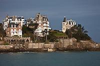 Europe/France/Bretagne/35/Ille et Vilaine/ Dinard: La Pointe du Moulinet et ses villas