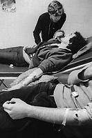 - Milano, 1979, il Centro Anti Droga (CAD) fondato dallo psichiatra professor Alberto Madeddu per la cura ed il recupero delle persone tossicodipendenti; somministrazione controllata del palliativo metadone<br /> <br /> - Milan, 1979, the Anti-Drug Center (CAD) founded by Professor psychiatrist Alberto Madeddu for the treatment and recovery of toxic persons; controlled dosage of palliative methadone
