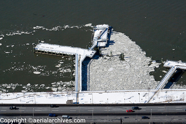 aerial photograph ice on the Hudson River, Manhattan, New York