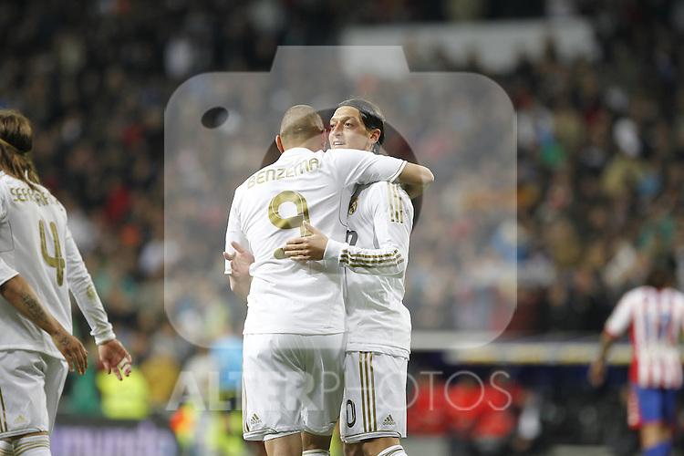 Madrid (14/04/2012).- Estadio Santiago Bernabeu..Liga BBVA.Real Madrid - Sporting de Gijon..Benzema,Ozil...Photo: Alex Cid-Fuentes / ALFAQUI..