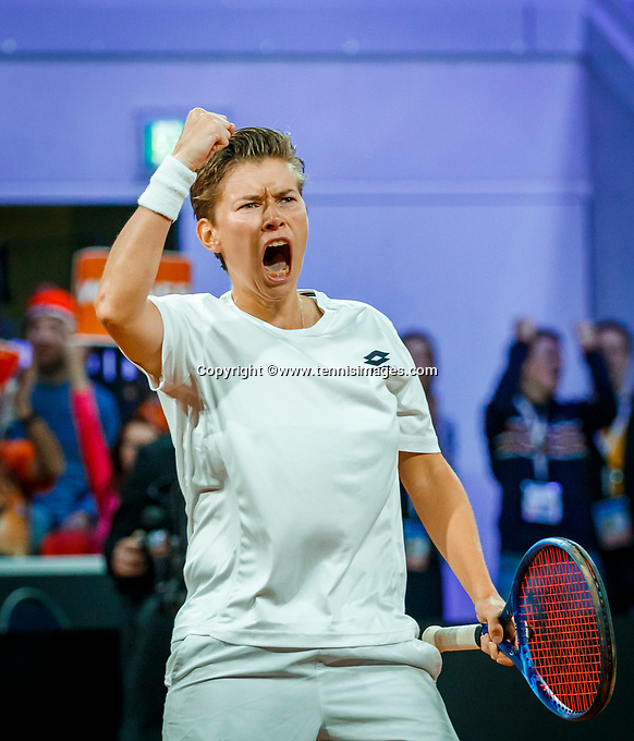 The Hague, The Netherlands, Februari 8, 2020,    Sportcampus, FedCup  Netherlands -  Balarus, Doubles: Bertens/Schuurs (NED), Demi Schuurs makes a fist<br /> Photo: Tennisimages/Henk Koster