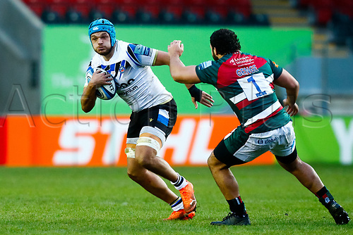 3rd January 2021; Welford Road Stadium, Leicester, Midlands, England; Premiership Rugby, Leicester Tigers versus Bath Rugby; Zach Mercer of Bath Rugby beats Ellis Genge of Leicester Tigers outside