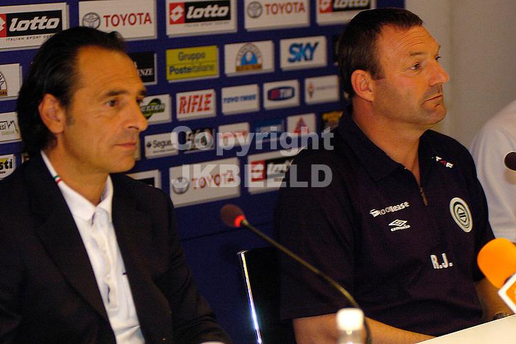 florence, persconferentie groningen uefa cup seizoen 2007-2008 03-10-2007.fotograaf Jan Kanning