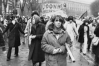 - Milano, 8 marzo 1976, manifestazione femminista per il diritto all'aborto<br />