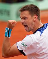 30-05-10, Tennis, France, Paris, Roland Garros, Soderling bald zijn vuist hij heeft Cilic verslagen