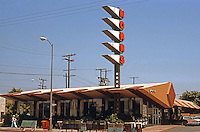 Googies: Norm's Restaurant, La Cienega, Hollywood. Armet & Davis, 1956. 1950's Moderne.  Photo '82.