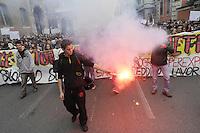 """- Milano """"sciopero sociale"""" di studenti e COBAS contro la politica del lavoro del governo Renzi<br /> <br /> Milan """"social strike"""" of students and COBAS against the job policy of the government Renzi"""