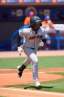 Jupiter Hammerheads Osiris Johnson (3) runs to first base during a game against the St. Lucie Mets on May 5, 2021 at Clover Park in St. Lucie, Florida.  (Mike Janes/Four Seam Images)