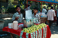 Indien, Bombay (Mumbai), Verkauf von Saft