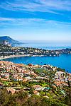 Frankreich, Provence-Alpes-Côte d'Azur, Villefranche-sur-Mer: Ausblick ueber Stadt und Bucht von Villefranche-sur-Mer, im Hintergrund Dap d'Ail | France, Provence-Alpes-Côte d'Azur, Villefranche-sur-Mer: view across town and bay, at background Cap d'Ail