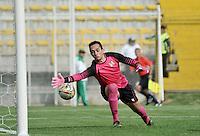 BOGOTA - COLOMBIA -12 -03-2016: Jean Blanco (Fuera de Cuadro), jugador de La Equidad anota gol a Ricardo Jerez, portero de Alianza Petrolera, durante partido entre La Equidad y Alianza Petrolera, por la fecha 9 de la Liga Aguila I-2016, jugado en el estadio Metropolitano de Techo de la ciudad de Bogota. / Jena Blanco (Out of Pic) player of La Equidad, scored a Goal to Ricardo Jerez, goalkeeper of Alianza Petrolera, during a match La Equidad and Alianza Petrolera, for the  date 9 of the Liga Aguila I-2016 at the Metropolitano de Techo Stadium in Bogota city, Photo: VizzorImage  / Luis Ramirez / Staff.